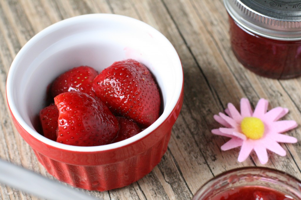 Homemade Strawberry Spread -- so delicious, so fresh tasting and so simple to make!