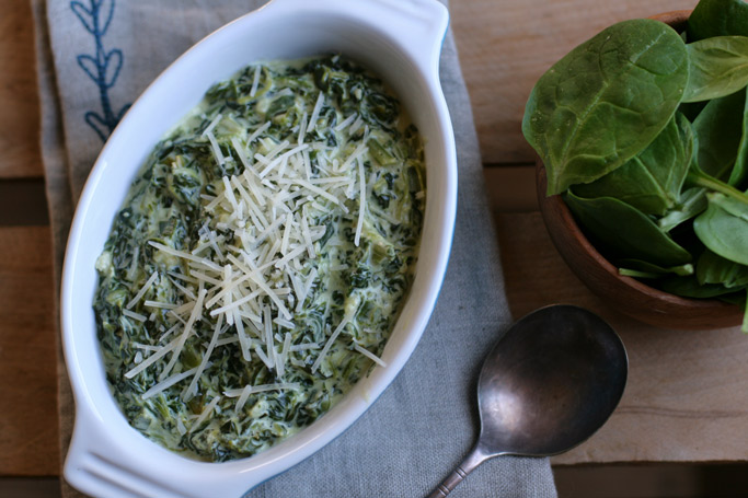 Made with organic spinach, this creamed spinach is first sautéed with butter, onions, and garlic to add dimensions to the flavor, plus lots of cheese!